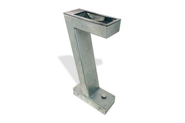 set galvanized drinking fountain