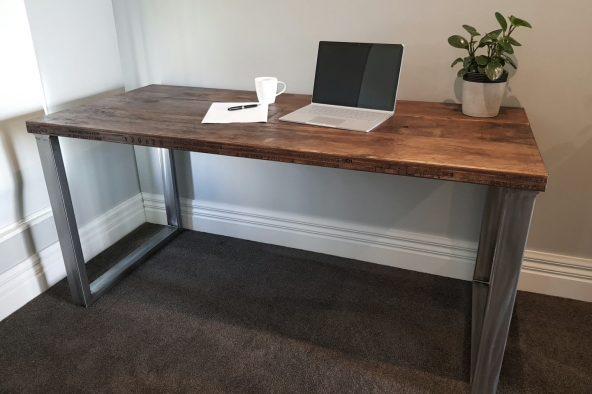 Ind002 Desk 2
