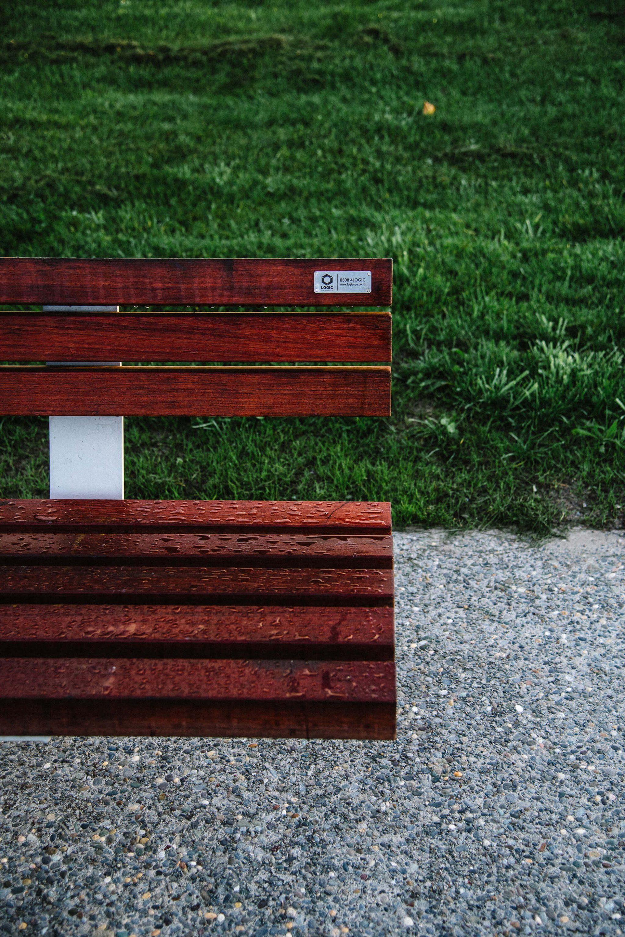 Dana Timber Seat Logic Street Scene